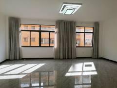 3室2厅2卫136m²简单装修