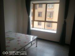 1室1厅1厨1卫40m²简单装修