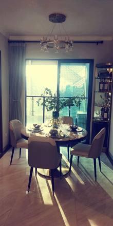玖龙国际3室2厅2卫50.8万118m²急售