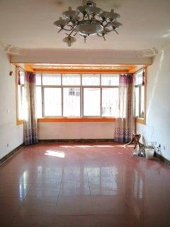 高管段小区4楼好房出售 优质教育 拎包入住